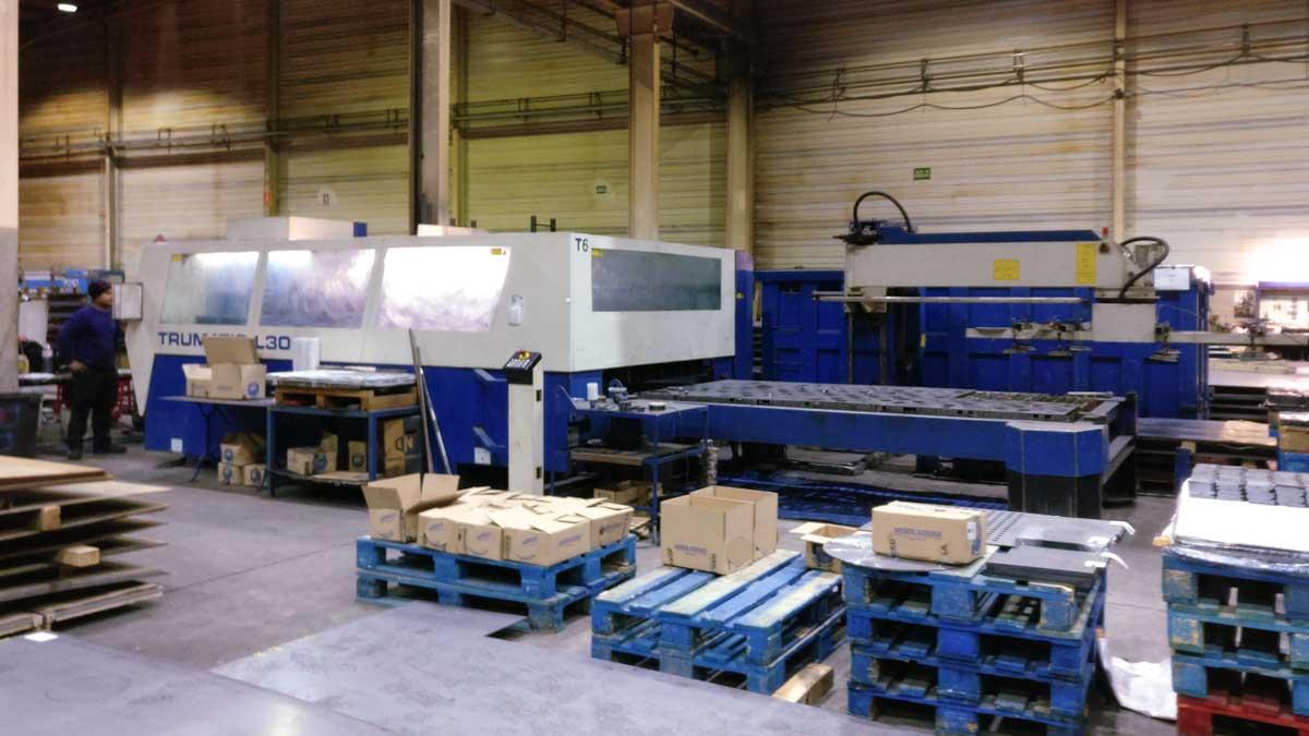Máquina de corte láser (CO2) TRUMPF TRUMATIC L3050 (2002) id5433