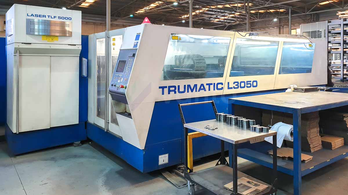 Máquina de corte láser (CO2) TRUMPF TRUMATIC L3050 (2002) id10111