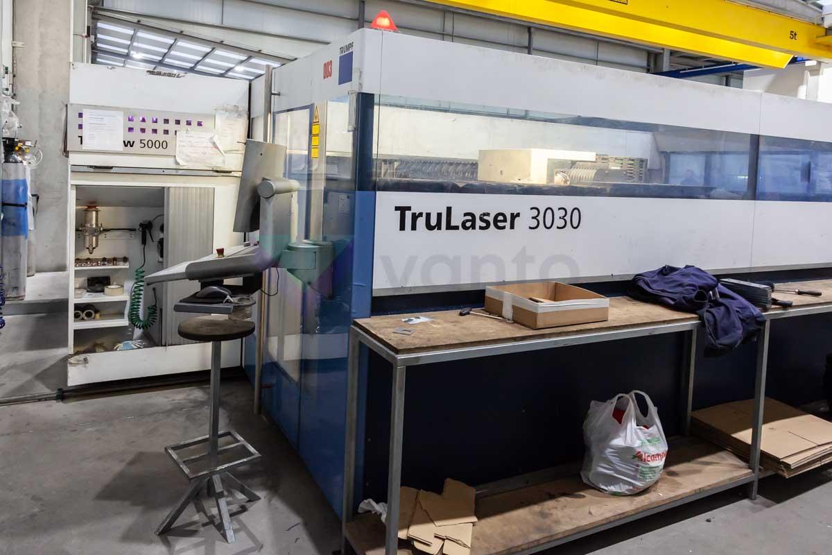 Máquina de corte láser (CO2) TRUMPF TruLaser 3030 (2009) id10143