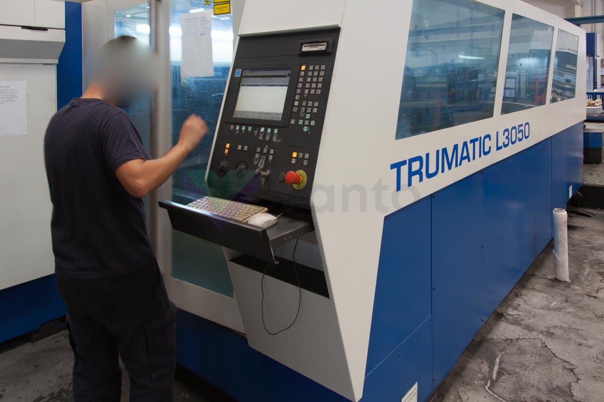 Máquina de corte láser (CO2) TRUMPF TRUMATIC L3050 (2004) id10101