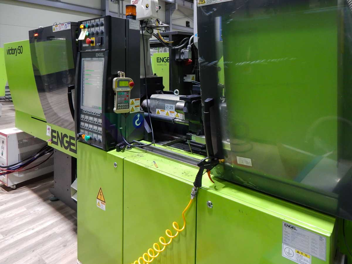 Máquina de moldeo por inyección de 50t ENGEL VICTORY VC 200 / 50 TECH PRO (2012) id10108