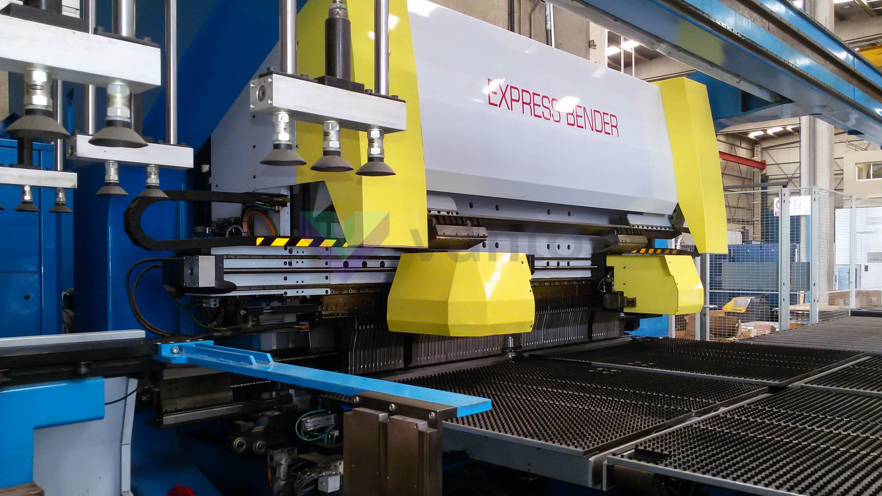 Paneladora automática CNC FINN POWER EB5 200 (2006) id10105