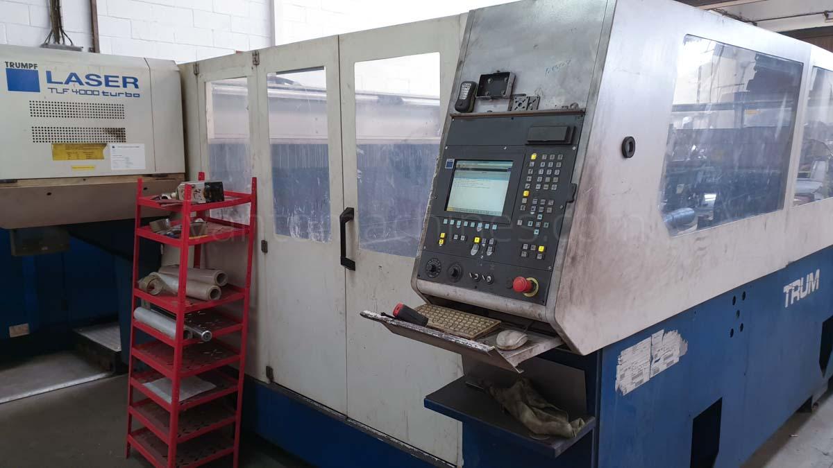 Máquina de corte láser (CO2) TRUMPF TRUMATIC L4030 (2000) id10121