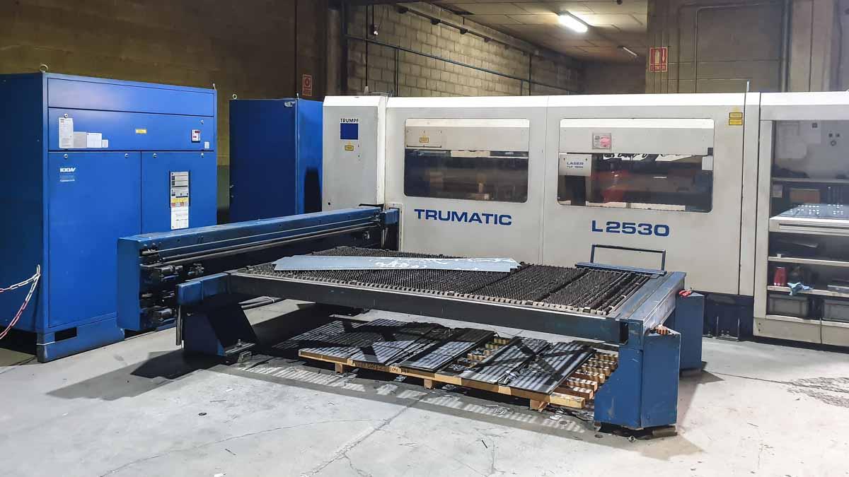 Máquina de corte láser (CO2) TRUMPF TRUMATIC L2530 (1998) id10148