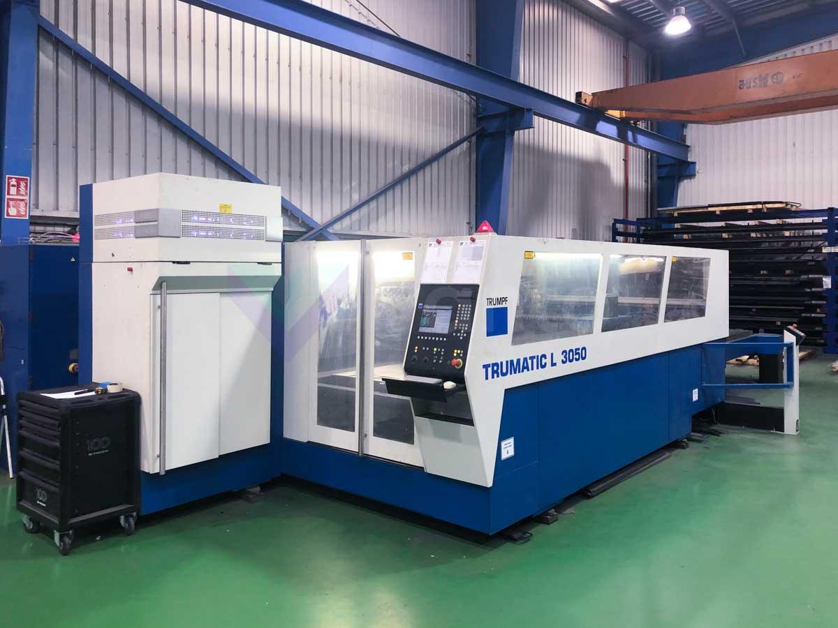 Máquina de corte láser (CO2) TRUMPF TRUMATIC L3050 (2006) id10196